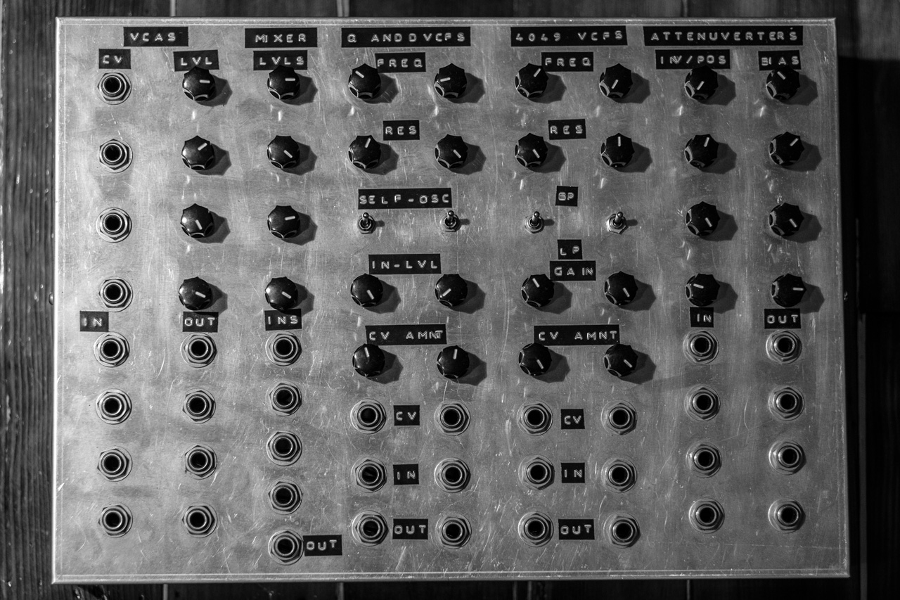 DIY nine volt modular synth